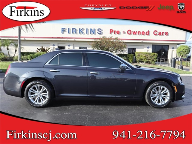 Pre-Owned 2017 Chrysler 300C Base